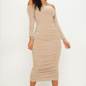 Pretty Little Thing Rouched Body Con Dress!